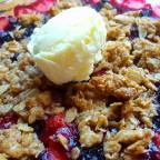 Blueberry-Strawberry Crisp For One